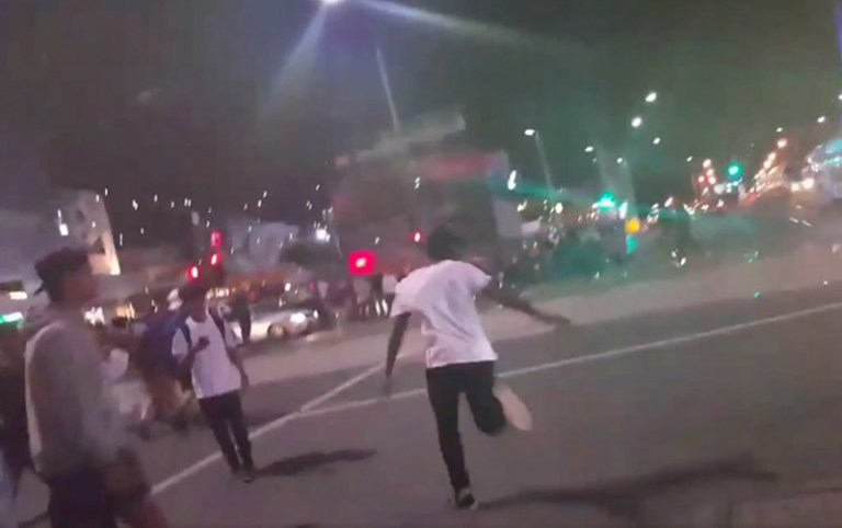 bvlack africans riot in melbourne